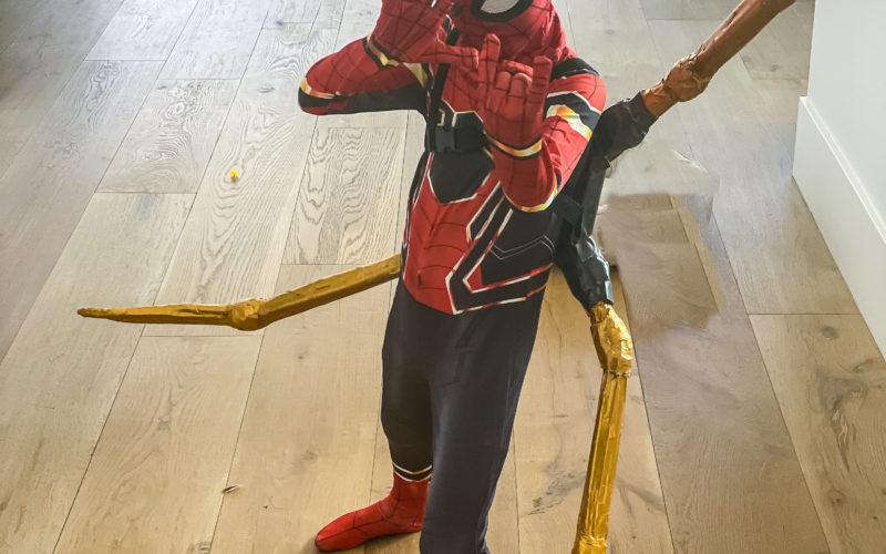 Easy DIY Spiderman/Ironman Tentacles